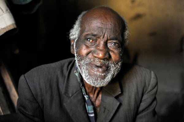 elderly Kenyan man with beard by Janie Airey photographer